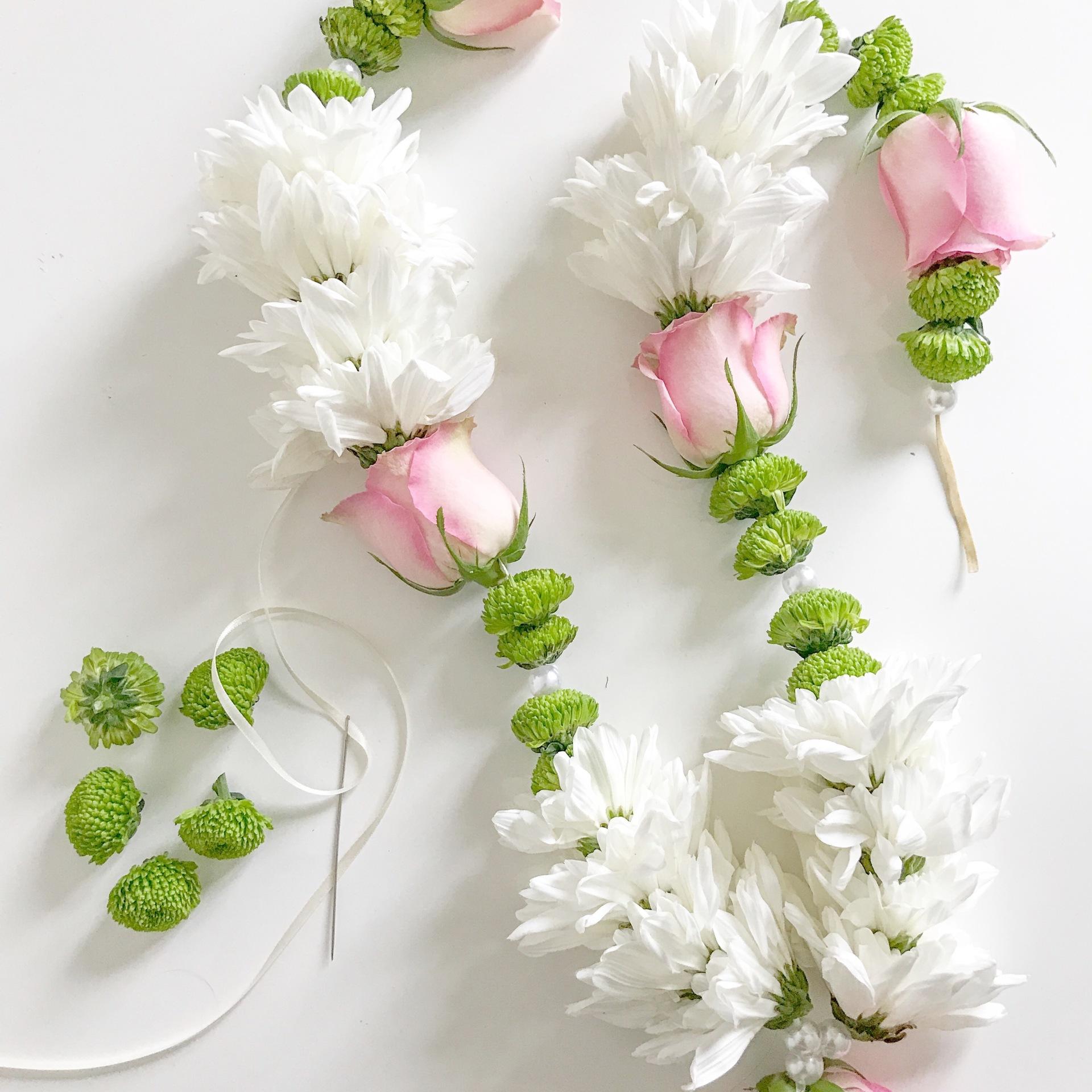 Indian wedding garland | Asian wedding garland | wedding garland | Indian wedding flowers | london florist | varmala | haar | Sikh garland | Hindu garland