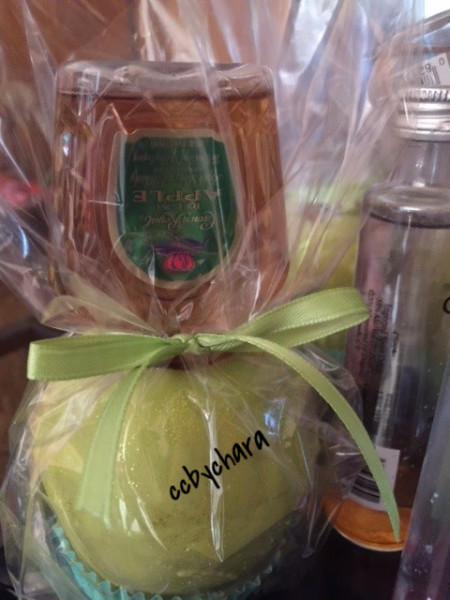 Infused Chocolate Apples w/Crown