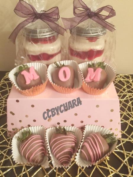 Combo Cheesecake Jars w/6 Chocolate Strawberries