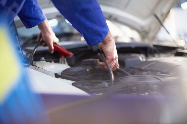 How To Diagnose a Dead Car Battery