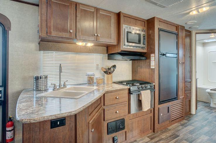 2017Keystone Hideout 28BHS Interior