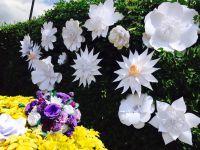 paper flower backdrop, perfabulous, paper flower wedding, oversized paper flowers