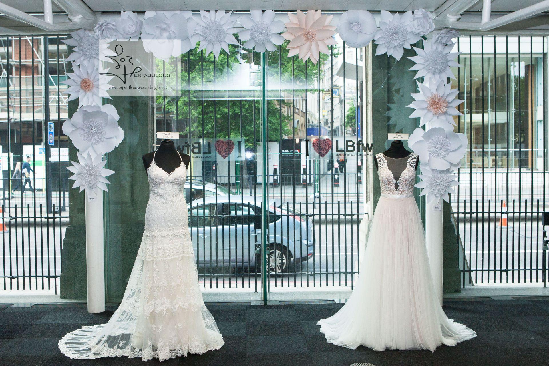 oversized paper flowers, event decor, paper flowers london, perfabulous