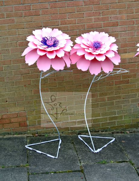 oversized paper flowers, perfabulous, giant paper flowers, london paper flowers