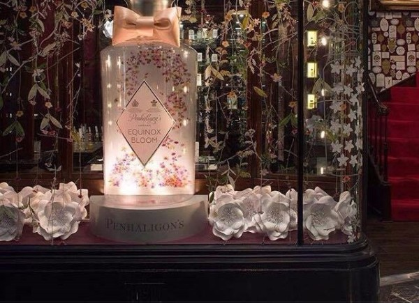 penhalingtons paper flowers, paper flowers london, uk paper flowers, paper floral artistry, perfabulous