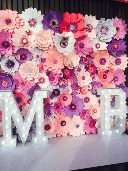 paper flowers backdrop, uk paper flowers, london paper flowers, flower wall