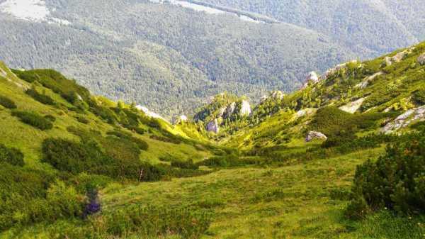 Romania, trekking, hiking, best places to hike in Romania, travel, Bucegi, Acele Morarului