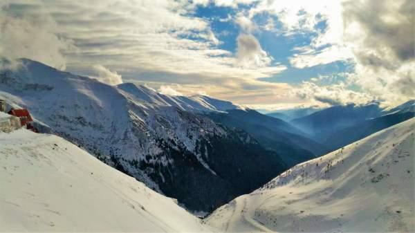 Romania, Winter hike, Winter trekking, best places to visit in Romania, travel, Transfagarasan, Fagaras