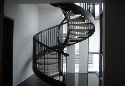 DNA INSPIRED SPIRAL STAIRCASE WITH RAILING