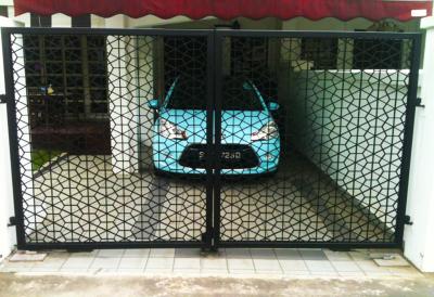 INTRICATE DESIGN DRIVEWAY GATE
