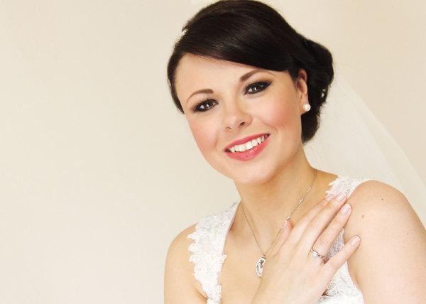 Bridal Make-Up Tips: The 10 Dos And Don'ts