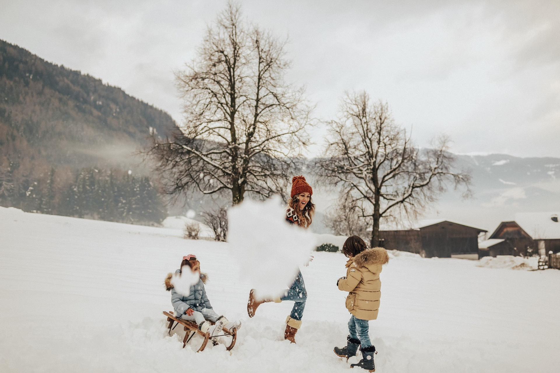Family adventures around Paris,Venice and Dolomites