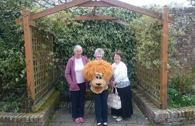 Seniors Outing to Moreton