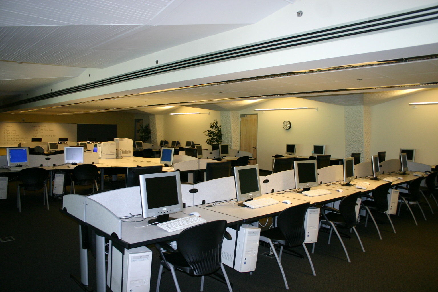 Wardman Library Computer Room