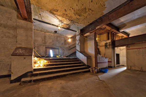 Foyer 5