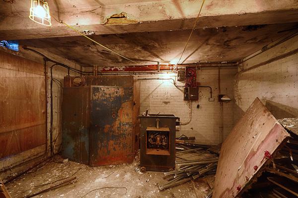 Side Room 7