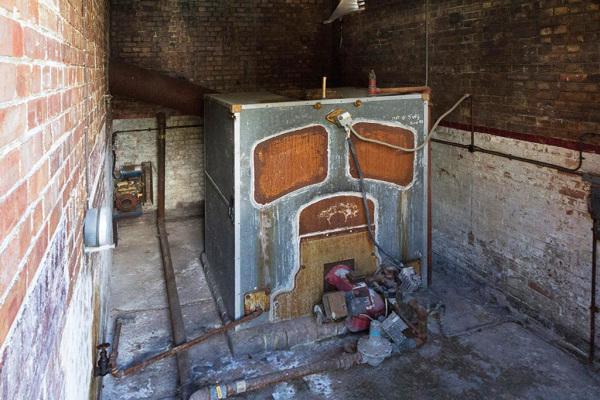 Side Room 9