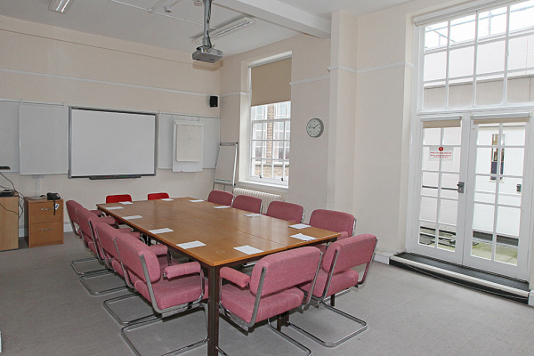 Committee Rooms 13