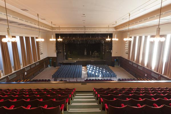 Auditorium 12