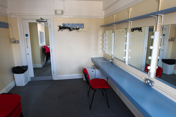 Dressing Rooms 2