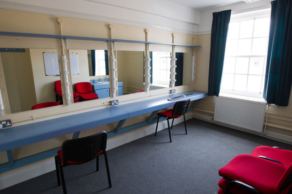 Dressing Rooms 4
