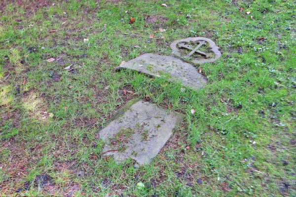 Woodbury Park Cemetery 11