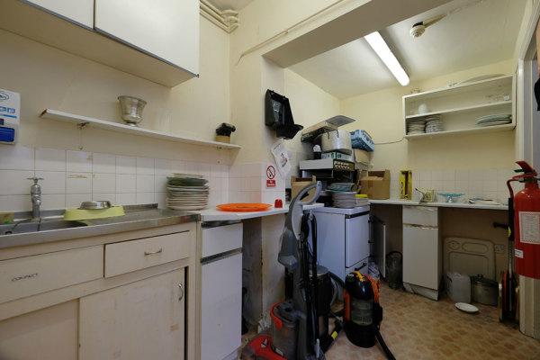 Kitchen & Utility Areas 16