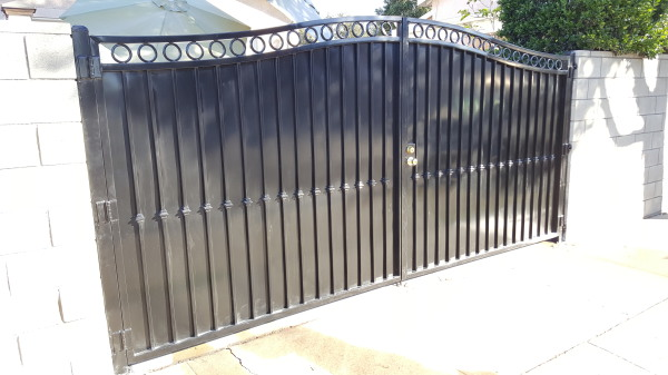 Residential dual swing iron gate with privecy