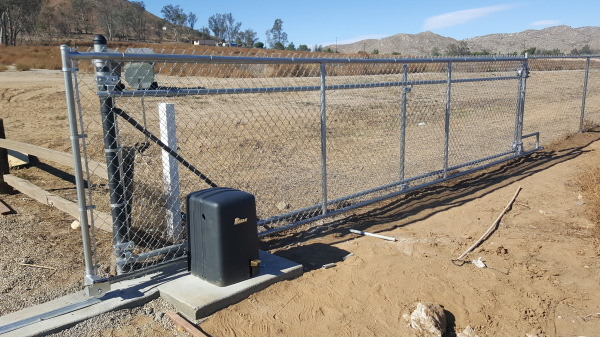 Chain link automatic gate