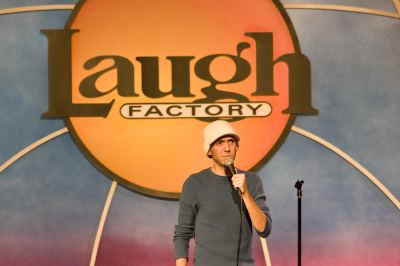 Stand-Up Comedian Daniel Eachus, Shares his Insightful View that Comedy is Therapy.