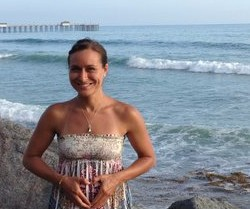 Valentina Marie Facilitates Healing Through Intention, Energy and Art here in San Clemente.