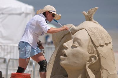 Mélineige Beauregard – Professional Sculptor – Shapes Wondrous Playgrounds of Sand, Ice and Snow