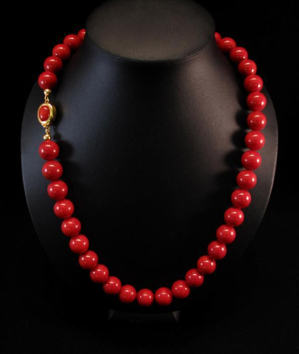 Red Bamboo Coral Bead Chain Necklace