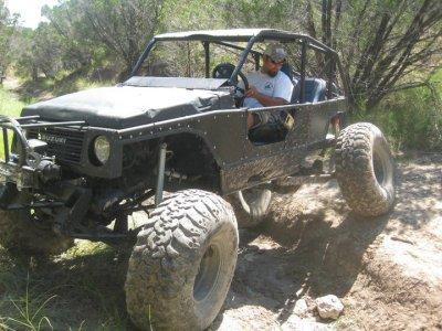 Aluminum body panels and trim on Samauri crawler