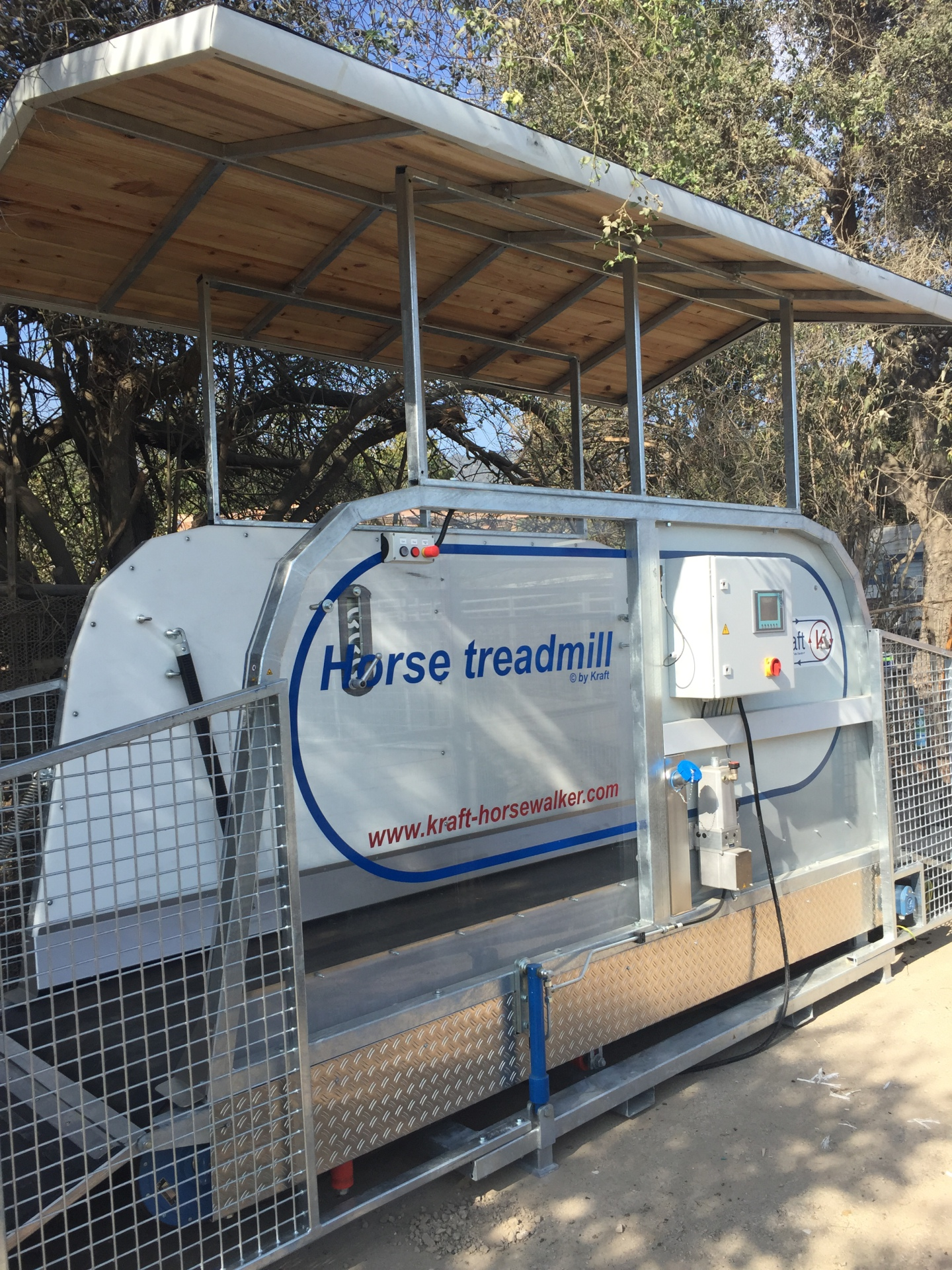 horse treadmill with roof at Sunnybrook Ranch, CA