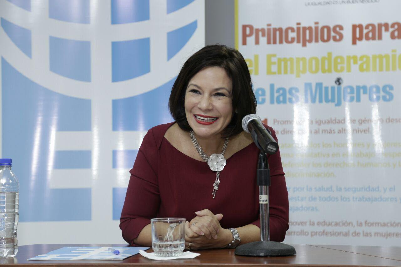 NATHALIE CELY, EMBAJADORA DEL PREMIO INNOVADORES MENORES DE 35 DE MIT TECHNOLOGY REVIEW