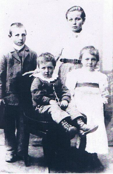 The Jacobson children, photographed before emigrating from Finland to America, 1904: BRITTA'S JOURNEY, annmariemershon.com