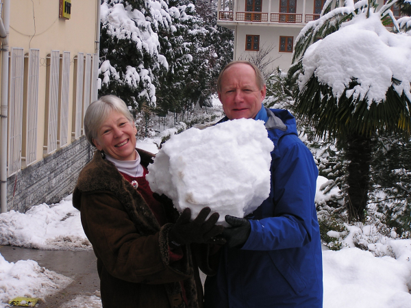 We did our best to show Mayu about making a snowman, Termal, Turkey: chap 26, You must only to love them. http://mershon.wordpress.com