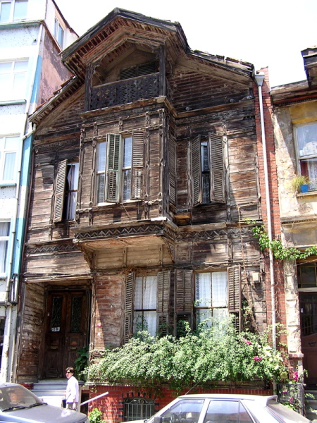 It breaks my heart to see the old Ottoman houses crumbling. Istanbul, Turkey: chapter 37, You must only to love them. http://mershon.wordpress.com