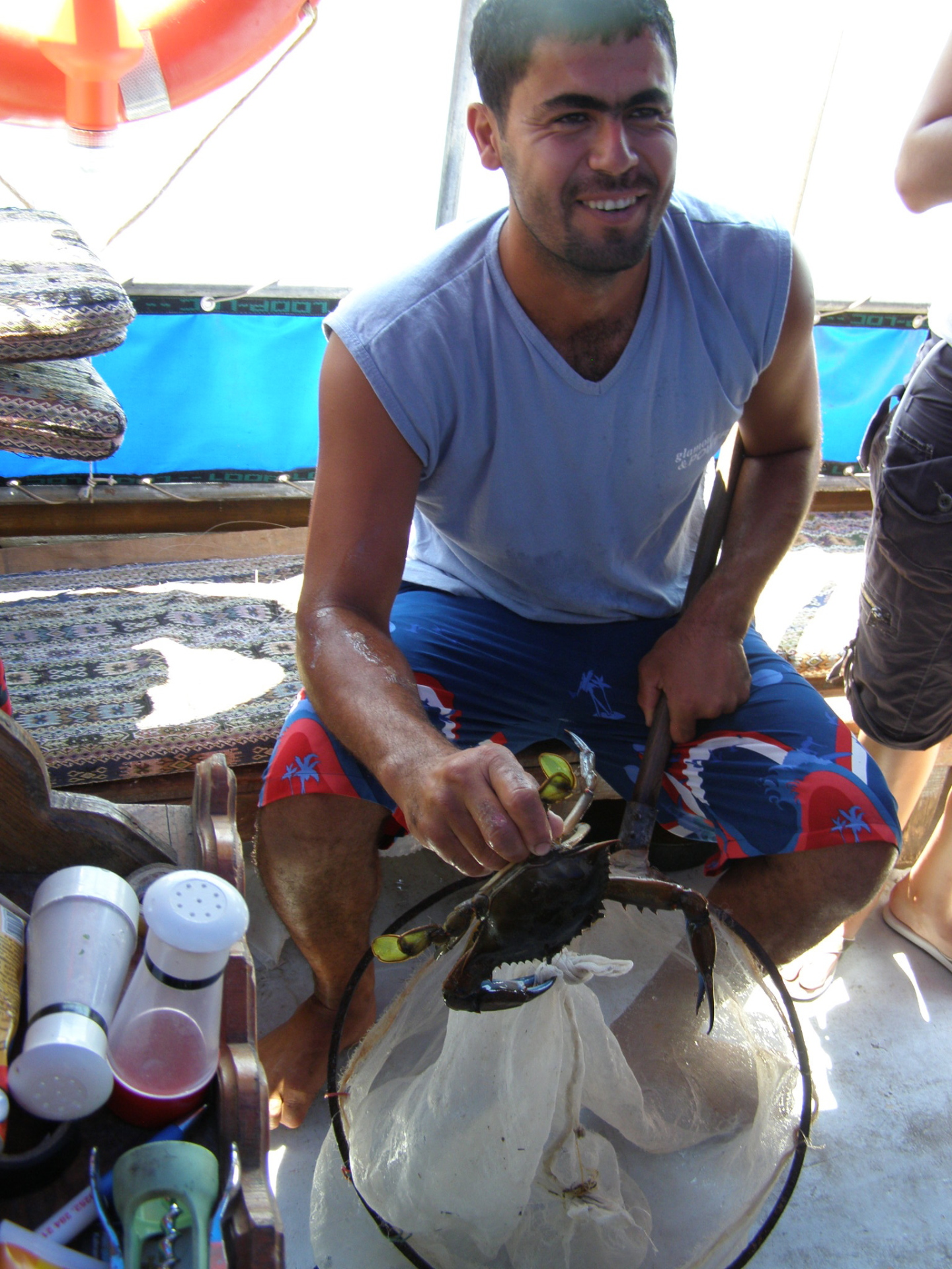 Captain Ramazan taught us how to catch crabs. Dalyan, Turkey: chapter 67, You must only to love them. http://mershon.wordpress.com