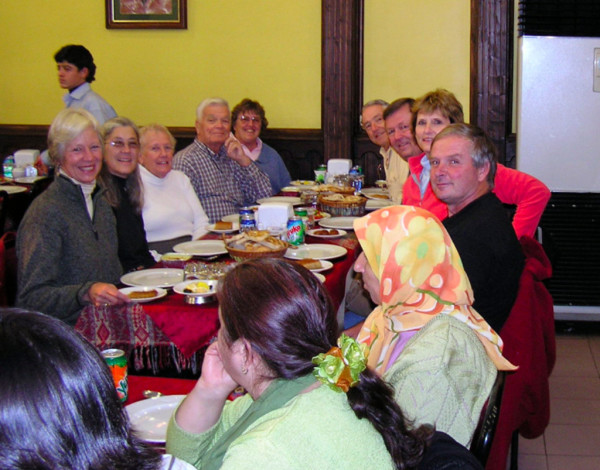 A group of American friends waiting hungrily for the Iftar dinner. Istanbul, Turkey: annmariemershon.com