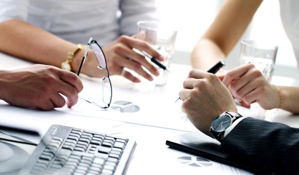 Contratos de prestação de serviços de mão de obra