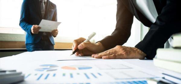 Fracionamento de despesa em licitação a solução por srp ou pregão
