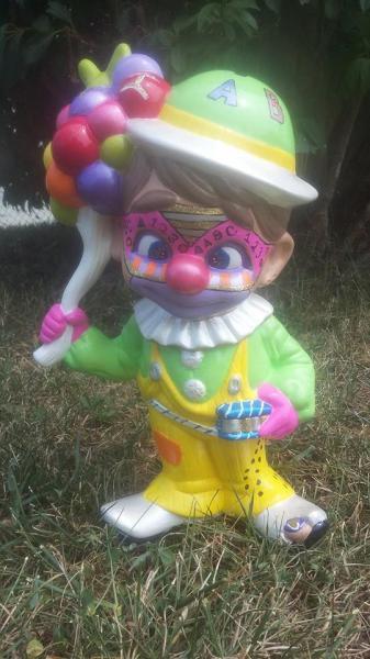Piggy bank clown 1