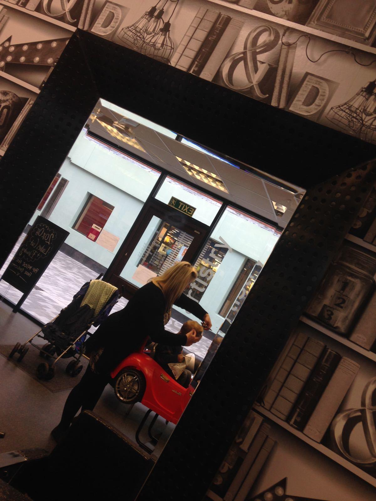 chair, salon, walk in, children, appointment, limelight