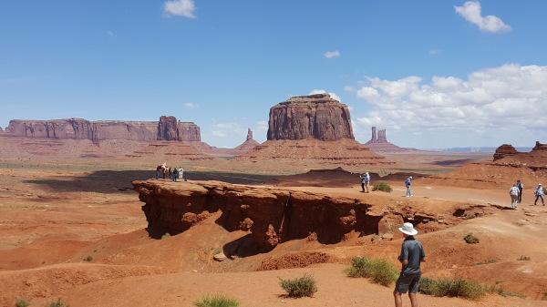 "Monument Valley, '""Where the earth meets the Sky"""