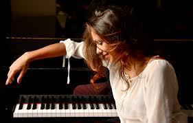 Amber Hammond - Pianist