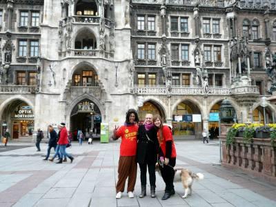 Friends outside large building in Munich