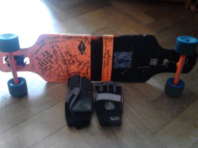 Longboard and sliding gloves
