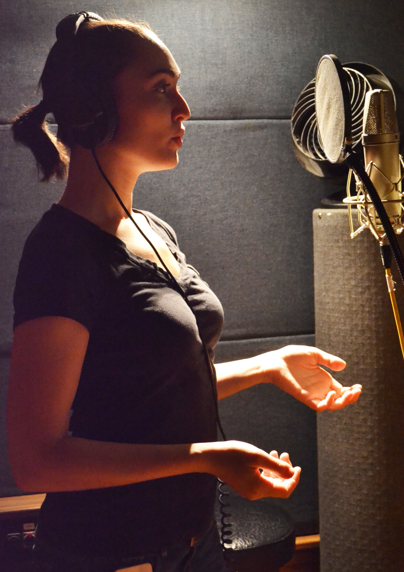 Ayelet Firstenberg at Threshold Recording Studios, New York City, singing a number from Steven W Rodgers' musical 'Revolutionary Gentleman'